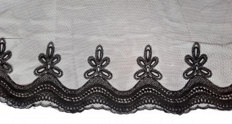Dekoratyvinė juosta išsiuvinėta ant tiulio 1762, sp. juoda