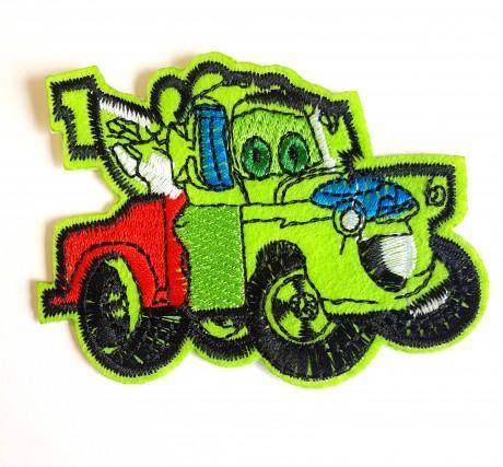 Siuvinėta klijuojama aplikacija auto, žalias